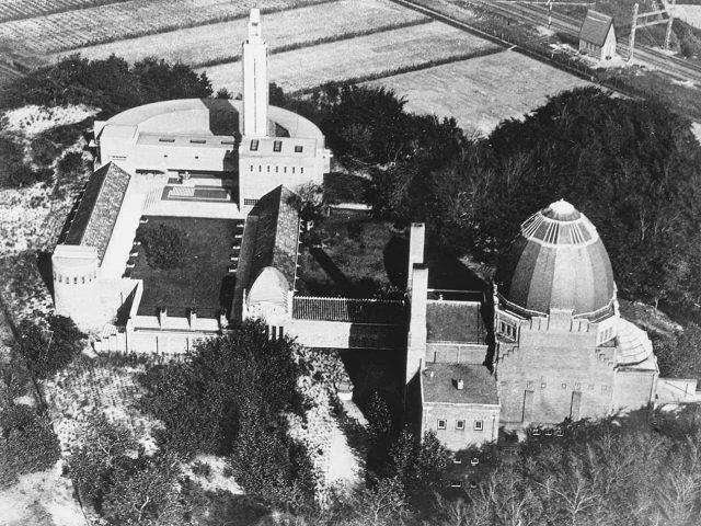 westerveld-begraafplaats-crematorium-cr-velsen luchtfoto - archief